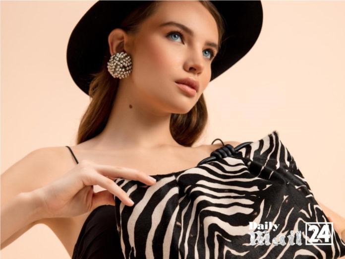 "Esin Akan ""creating bags that remain elegant and timeless"""